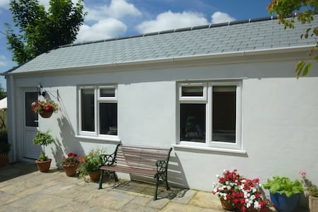 En- suite room in a new annexe - Saltash