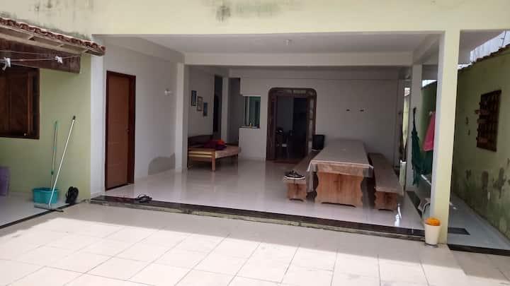 quartos vagos a 60 km de Porto, com garagem,wi-fi