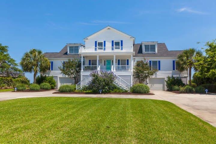 Oceanside Apartment Sleeps 4 - Unit B - Sullivan's Island - Apartment