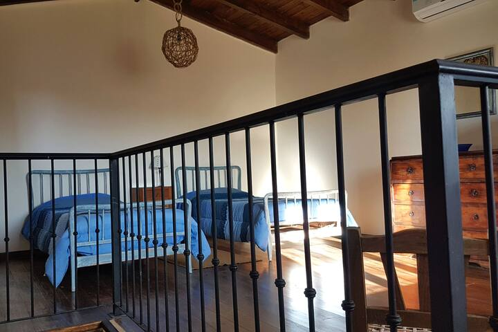 Dormitorio 2 camas simples + cama cucheta