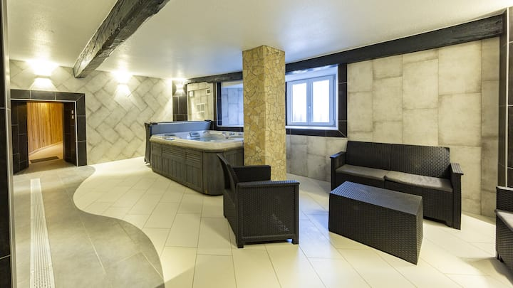 Apartment-Designer-Ensuite-Countryside view-Gite 6 chambres
