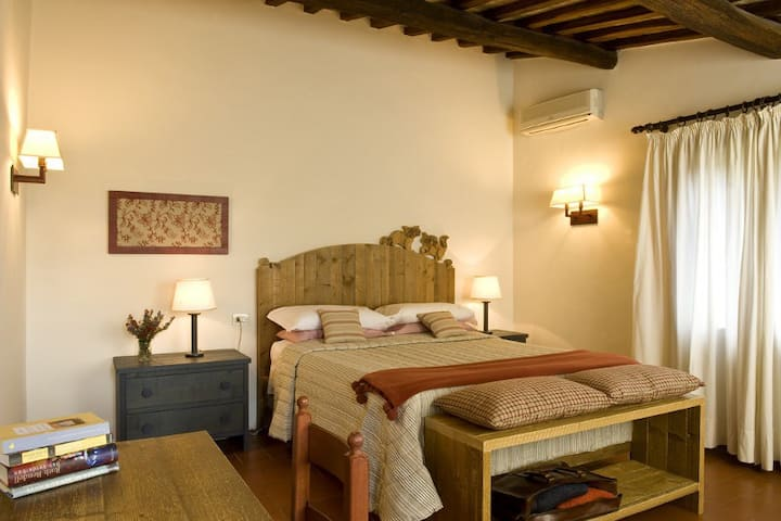 Camera Matrimoniale (Double Room)