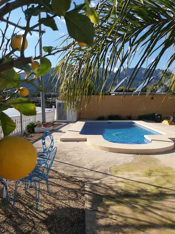 Country Finca with private pool sleeps 6 to 8. - Polop - Vila