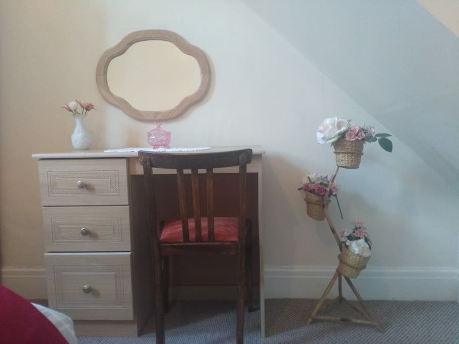 double room dressing table/desk