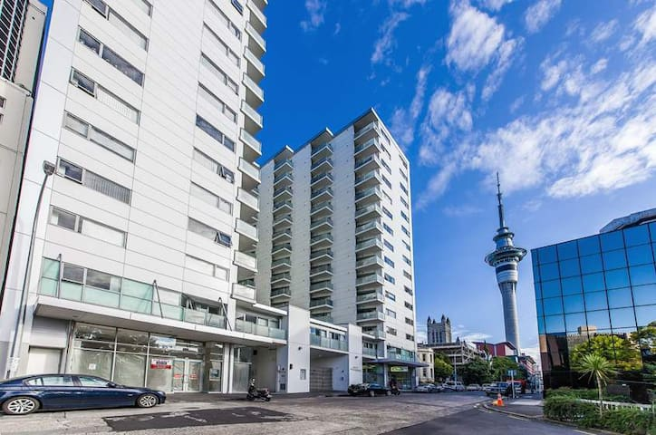 Federal Apartments, in the Heart of the City!