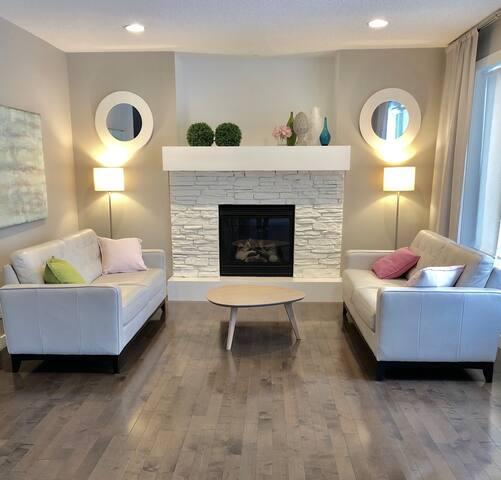 Modern, Clean, Spacious, Family Home