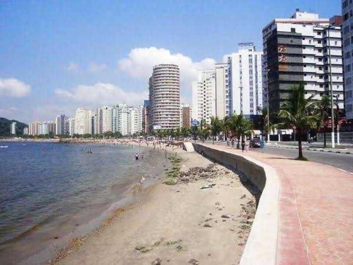 Apto São Vicente  - 1 quadra praia