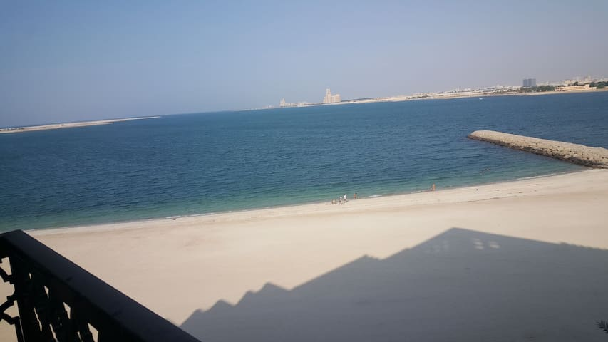 Beautiful Studio with Seaview and Private Beach - Ras Al-Khaimah