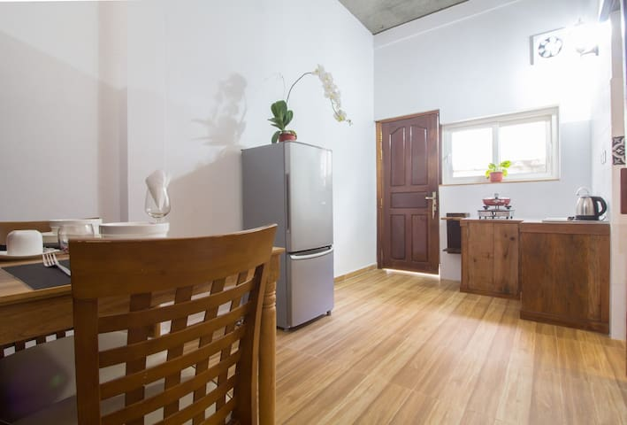 D. STUDIO IN TOWN +BIG DISCOUNT FOR LONG TERM STAY