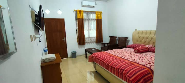 Spacious Room at Hotel Arjuna Sari Bandungan