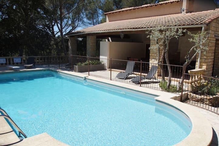 Maison Provence 5pers-piscine-tennis- pétanque - Grans - Villa