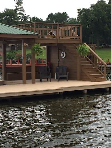 Lake Bob Sandlin Getaway