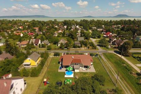 Berekside nyaralóház - Balatonkeresztúr - Talo