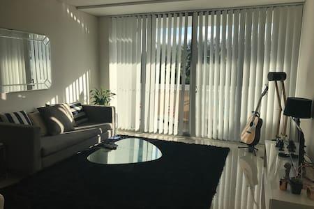 Close to airport & CBD, brand new apartment. - Canterbury - Apartamento
