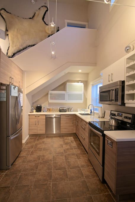 Guest Kitchen. Fully equipped for all your needs.
