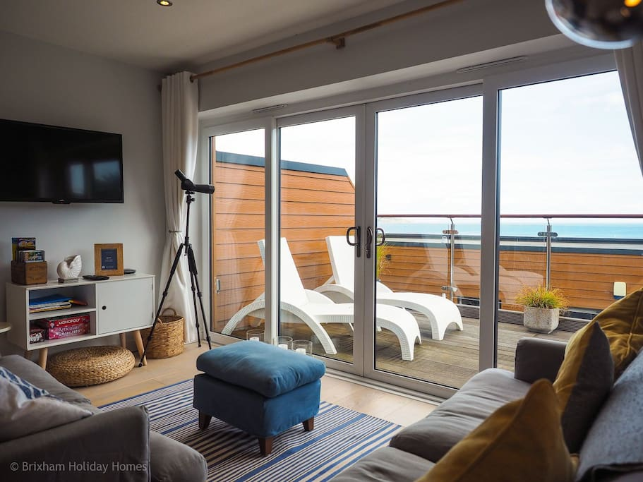 Patio doors from lounge to large balcony