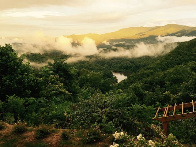 No Worries -Beautiful House - Spectacular Views - Bryson City - Casa