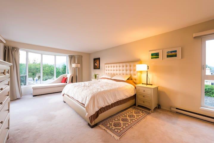 master bedroom, have ocean view