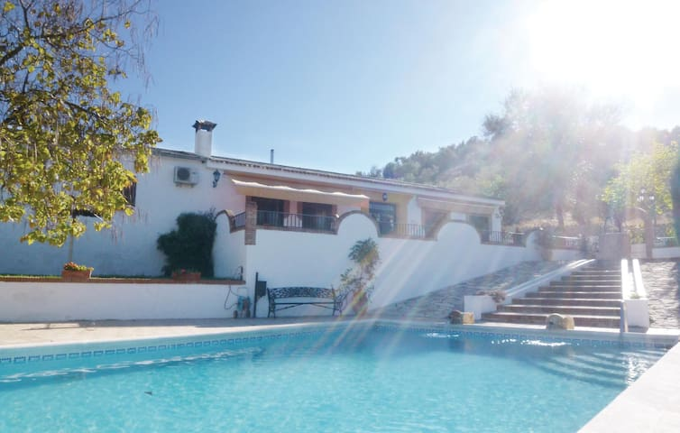 Holiday cottage with 3 bedrooms on 140 m² in Priego de Córdoba
