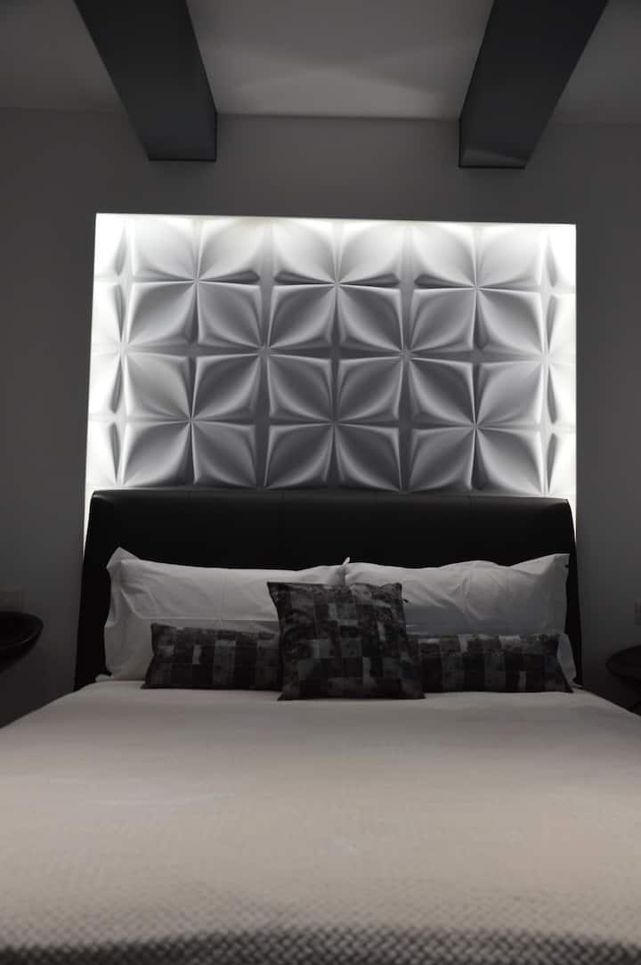 Alexandros Suite
