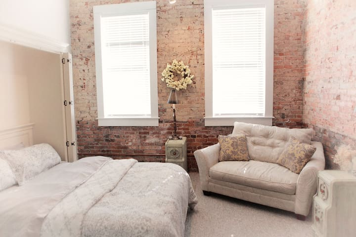 Downtown Spartanburg - Morgan Square Apartment - Spartanburg - Daire
