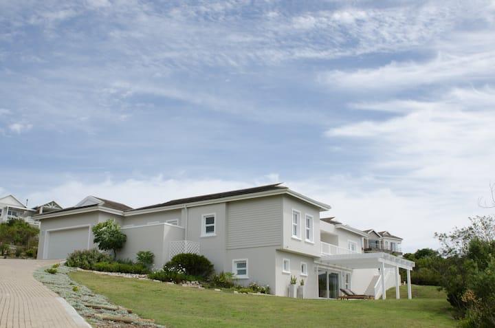 Brackenridge Private Estate Views and tranquility