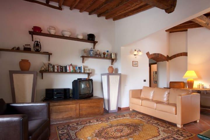 Casa Tucci, luminoso e confortevole per tutti. - Reggello - Apartemen