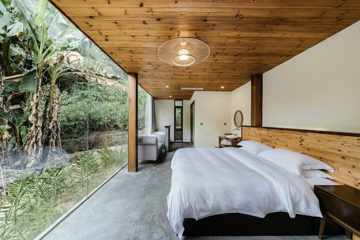 浴缸大床房  千岛湖农夫山泉水源地 世外桃源般的生活体验  霸下