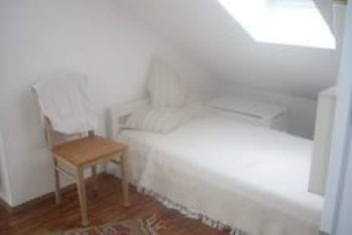 München, Zimmer + Bad, NäheMesse + Allianzarena