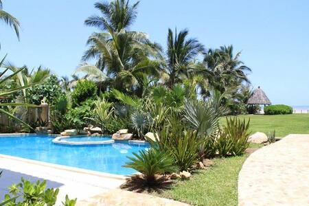 Levu Suites - Acapulco - Inap sarapan