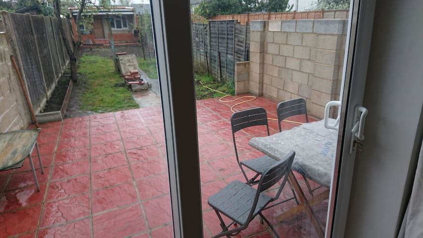 Modern double room available in a quiet area