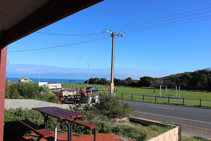 Maslin Beach house sea views and park in front
