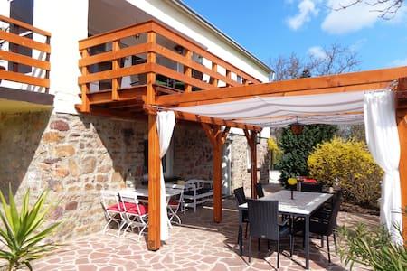 Fülöp Villa apartmanház - Balatonszepezd - Haus