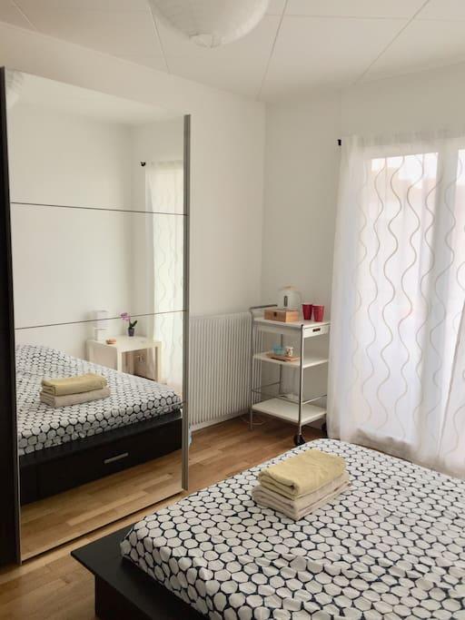 chambre 14m2 au calme gare part dieu rh ne express appartements en r sidence louer lyon. Black Bedroom Furniture Sets. Home Design Ideas