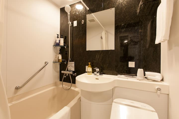 3 Star Hotel! Excellent location! Tower view double room with free wifi ♦Non-smoking♦