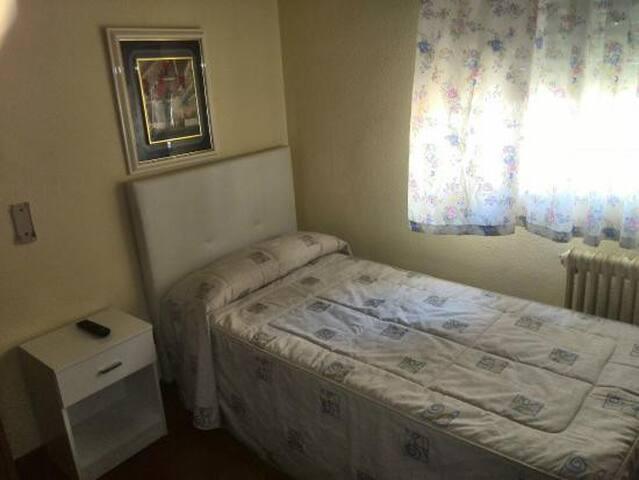 habitación sencilla buen punto zona de Caracas