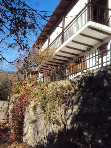 Κατοικία με τα Πιθάρια - Prinos - Rumah