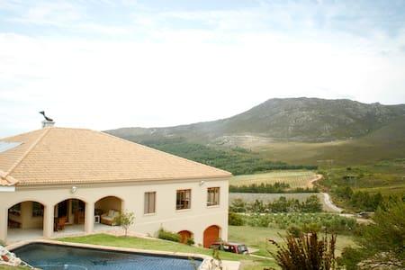 Barton Vineyards and Villas - Kleinmond