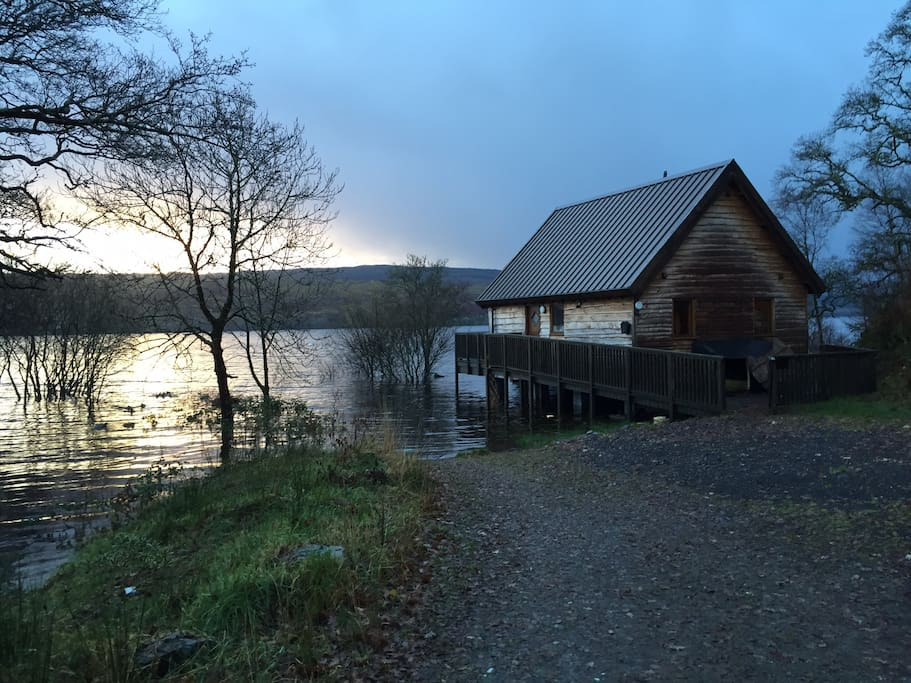 Lochside Log Cabin With Hot Tub Cabins For Rent In
