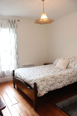 Bedroom #3 - queen bed.