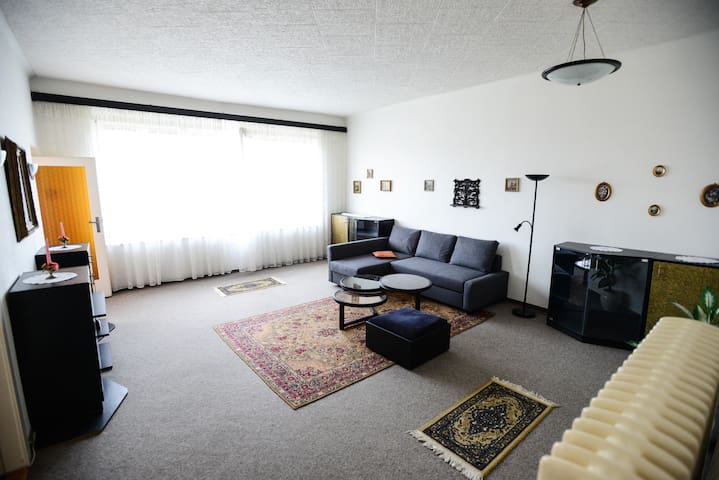 Large apartment 1km from Prague Castle. - Praga - Appartamento
