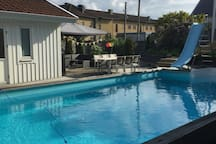 Mysigt litet hus med pool