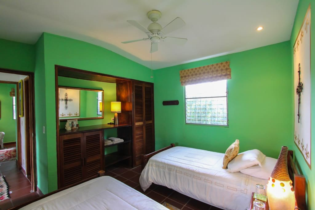 el valle chat rooms The rooms at the modern hotel residentical are constructed with stucco walls and with wood and tiled floors all rooms feature tiled hot water baths tvs.