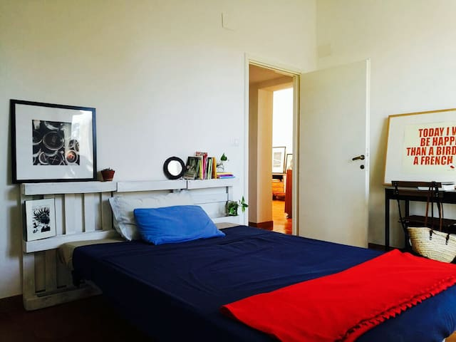 "Cozy room near Metro ""A"" station - Wifi included! - Roma - Daire"