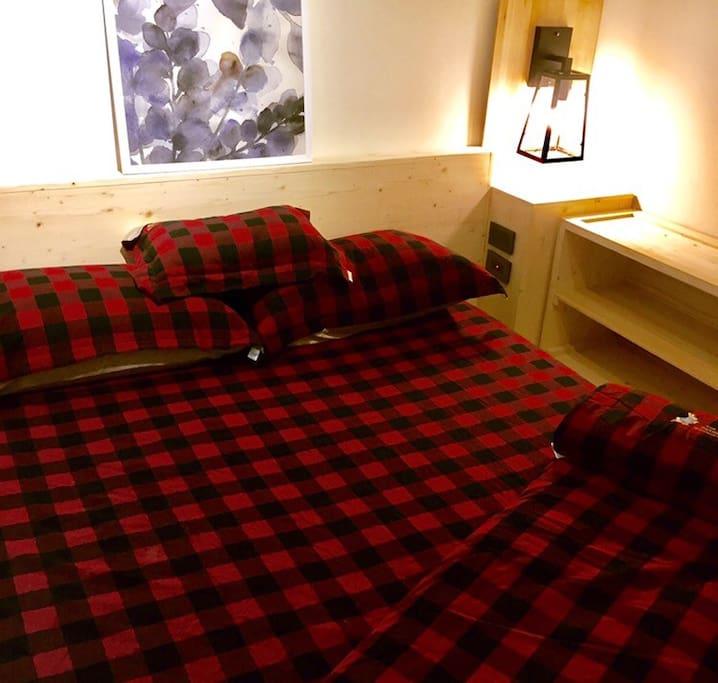 主臥室 可以睡兩個人