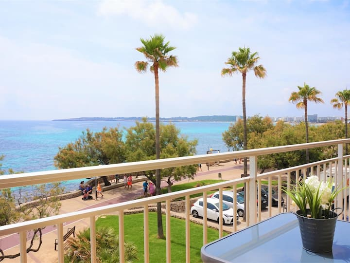 La Perla 1 - Apartment with terrace by the beach with sea views
