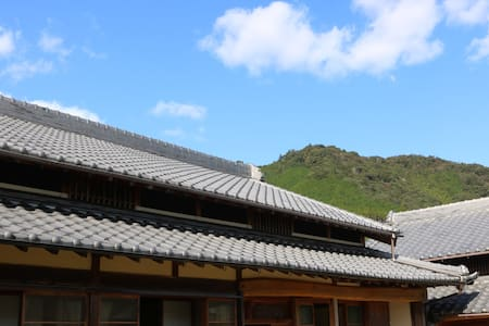traditional wood structure since 1874  Joint House