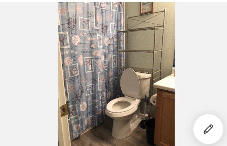 Denver Queen Room  No cleaning fee.