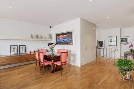 3 bedroom Furnished house - Glenroy - House