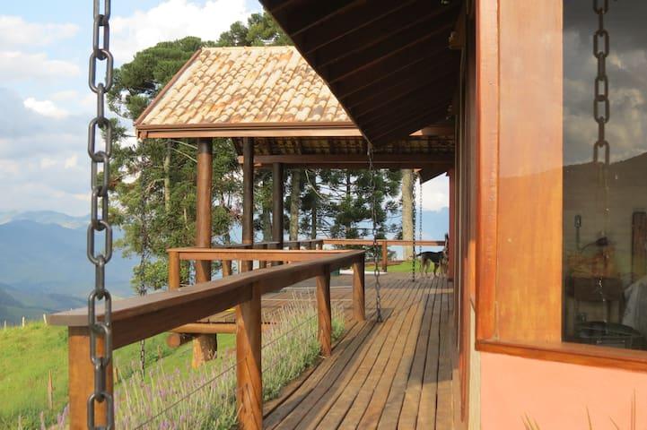 Casa c/ paisagem espetacular e horta orgânica - Gonçalves - Blockhütte